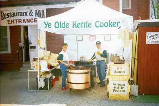 Ye Olde Kettle Cooker - cooker with awning